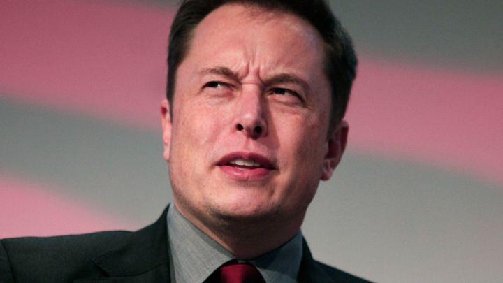 Илон Маск отказался отидеи превратить Tesla в личную компанию